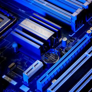 2 Bit flash analog to digital converter using CMOS logic