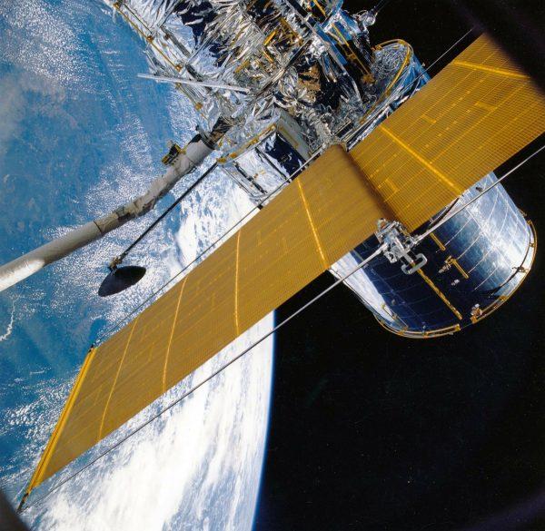 Frequency Offset Estimation For 5G Based On Doppler And Kalman Filter In Satellite Communications System 1