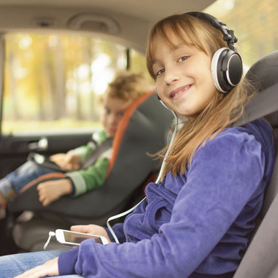 Innovative complete solution for health safety of children unintentionally forgotten in a car audrino